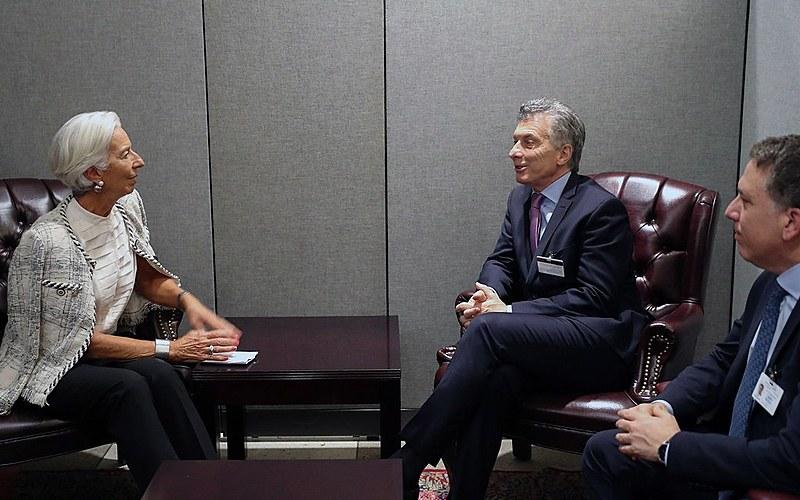 Macri (centro) e Ministro das Finanças, Nicolás Dujovne, se reúnem na sede da ONU com a diretora administrativa do FMI, Christine Lagarde