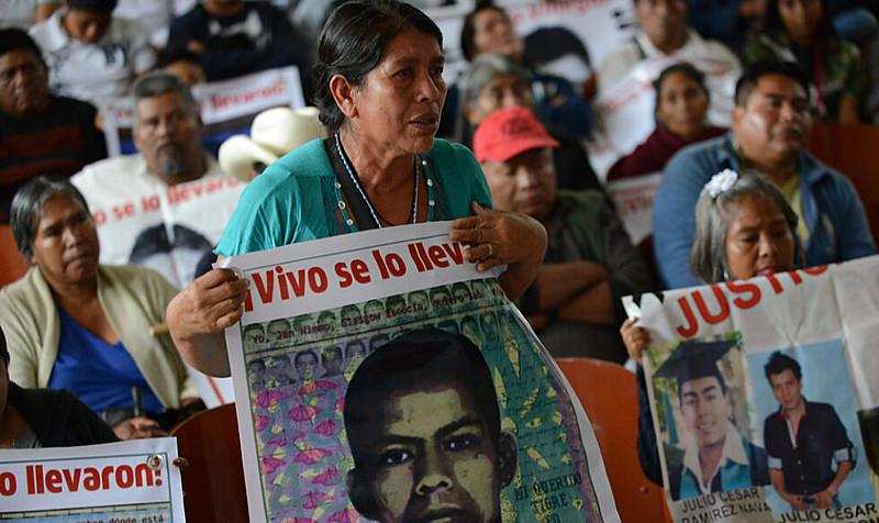 Em setembro de 2014, 43 alunos de Ayotzinapa desapareceram; desde então, versões são contraditórias