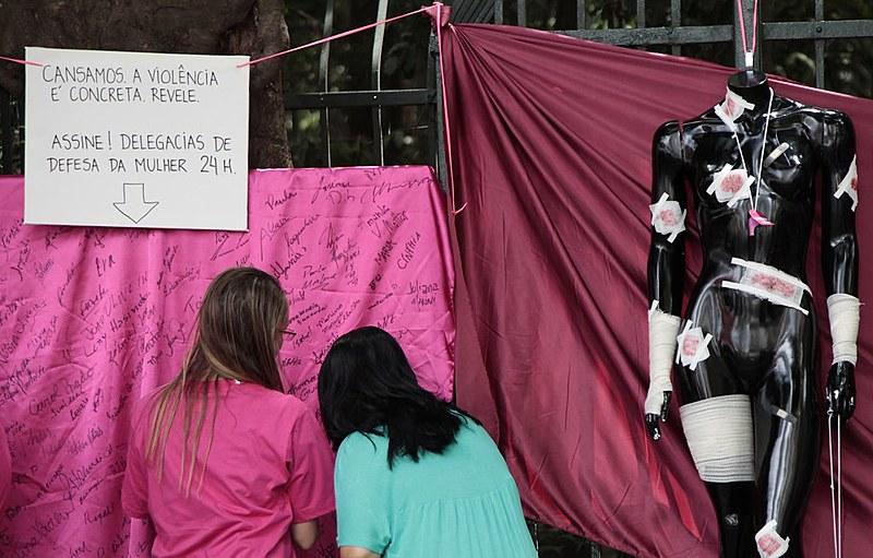 Associação das Advogadas, Estagiárias e Acadêmicas de São Paulo em ação no Dia Internacional de Combate à Violência Contra Mulher em 2014