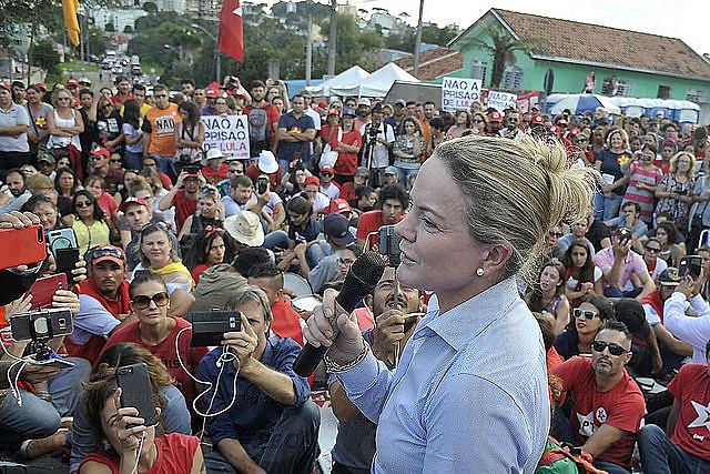 Para Gleisi Hoffmann, há uma tentativa de fraudar as eleições