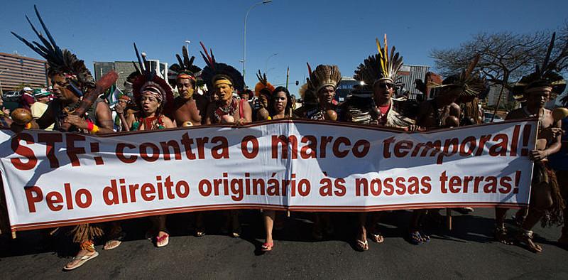 Manifestação de índigenas Pataxó, que têm realizado protestos pela revisão e demarcação das terras no sul da Bahia