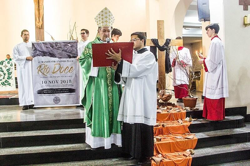 4º Manifesto Unidos Pelo Rio Doce foi divulgado após a celebração de uma missa no dia 10 de novembro,