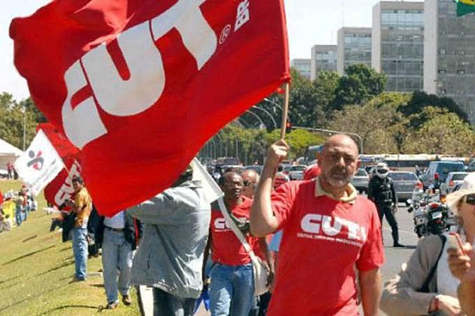 Além das reformas previdenciária e trabalhista, os sindicalistas vão incluir na pauta da greve a PEC 241