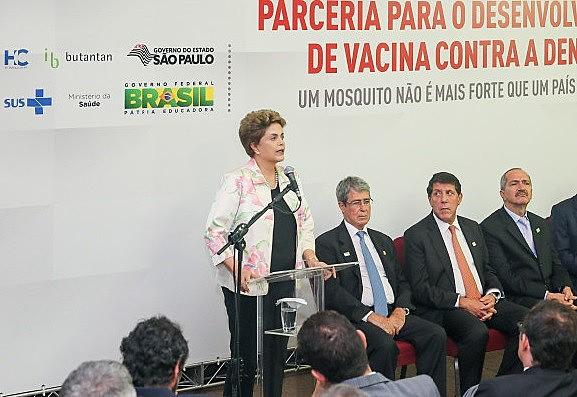 O contrato entre Ministério da Saúde e o Instituto Butantan foi assinado pela presidenta Dilma Rousseff em fevereiro deste ano