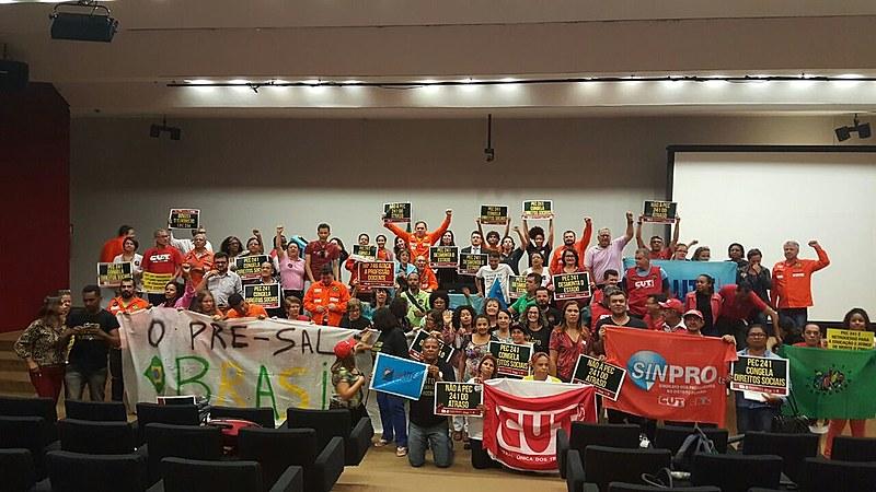 Movimentos populares protestaram contra a PEC 241 na manhã desta quarta (5)